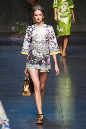 Показ Dolce & Gabbana коллекции сезона Весна-лето 2014 года prêt-à-porter - www.elle.ru - Подиум - фото 566252