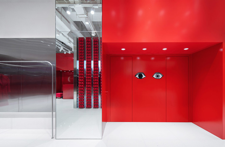 Яркий бутик одежды в Китае (фото 6)