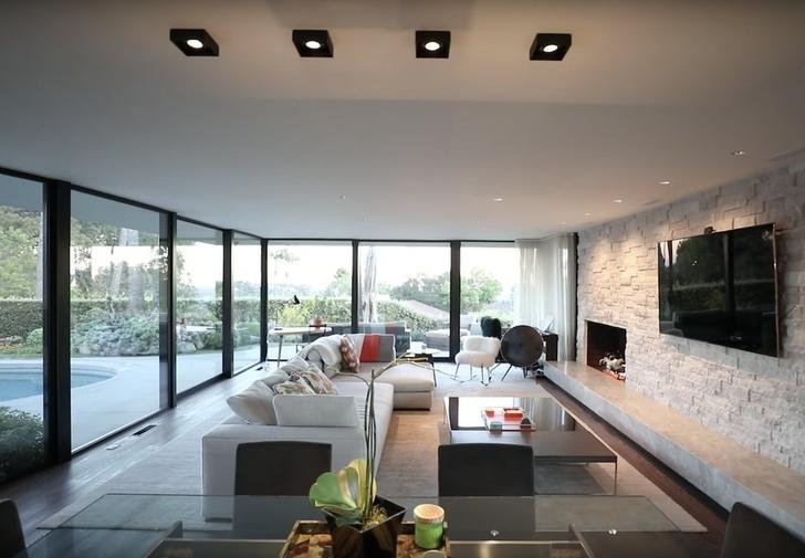 Илон Маск продает дом в Лос-Анджелесе за 4,49 млн долларов (фото 6)