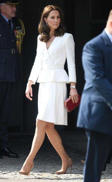 Кейт Миддлтон может ходить на каблуках целый день — и мы знаем ее лайфхак | галерея [1] фото [4]