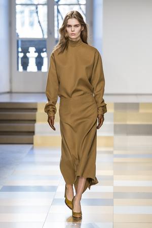 Показы мод Jil Sander Осень-зима 2017-2018 | Подиум на ELLE - Подиум - фото 4872
