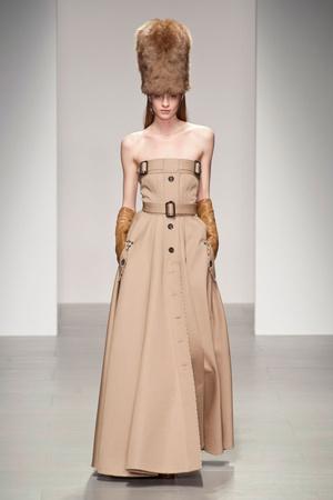Показы мод Daks Осень-зима 2014-2015 | Подиум на ELLE - Подиум - фото 3877