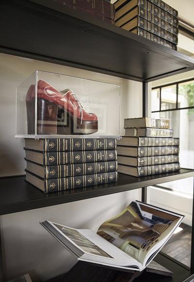 В гостях у Кортни Кардашьян: домашний офис звезды в Калифорнии | галерея [1] фото [3]