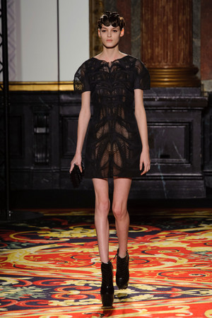 Показ  коллекции сезона Весна-лето 2013 года Haute couture - www.elle.ru - Подиум - фото 477481