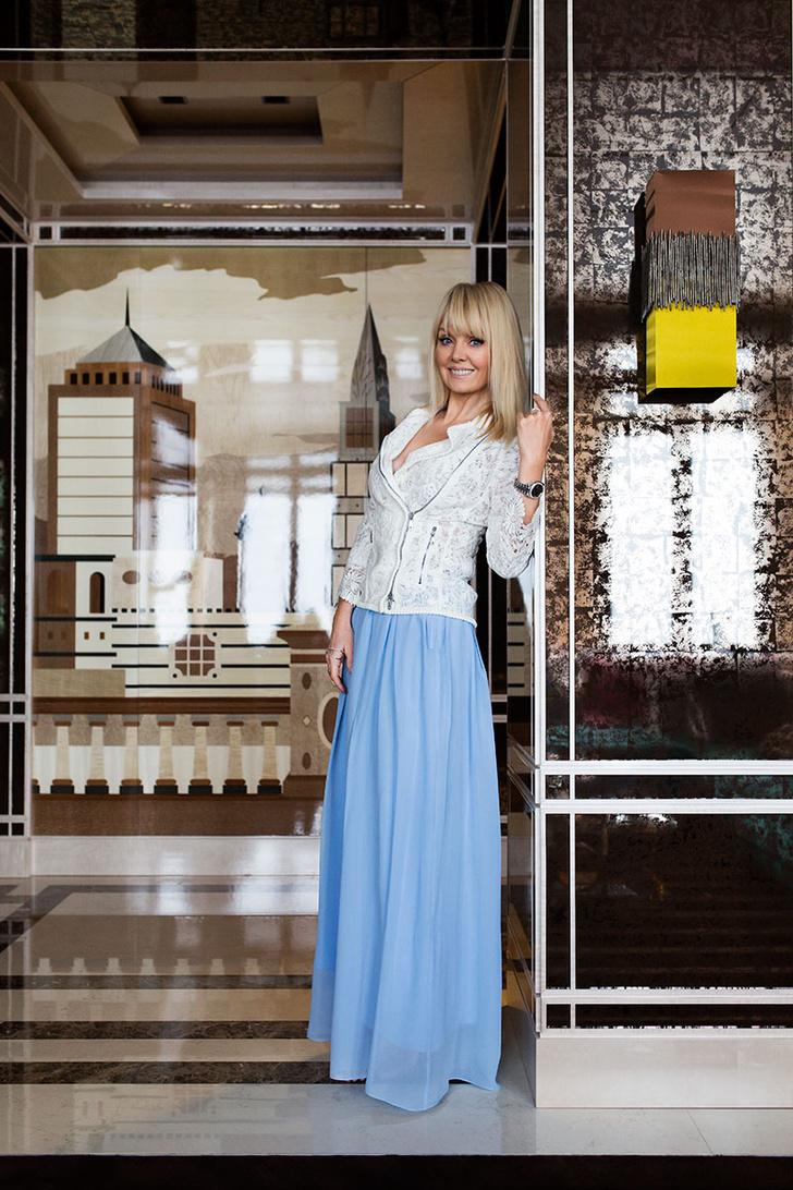 Валерия в гостиной своей московской квартиры.