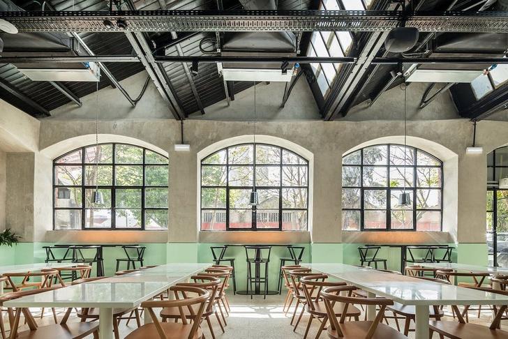 Дизайнерский ресторан в здании бывшей фабрики в Лиссабоне (фото 0)