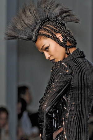 Показ Jean Paul Gaultier коллекции сезона Весна-лето 2011 года Haute couture - www.elle.ru - Подиум - фото 217787