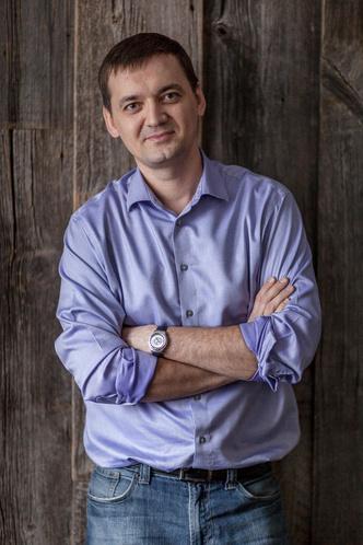 Федор белобородов, директор компании UNIQUE FLOORS