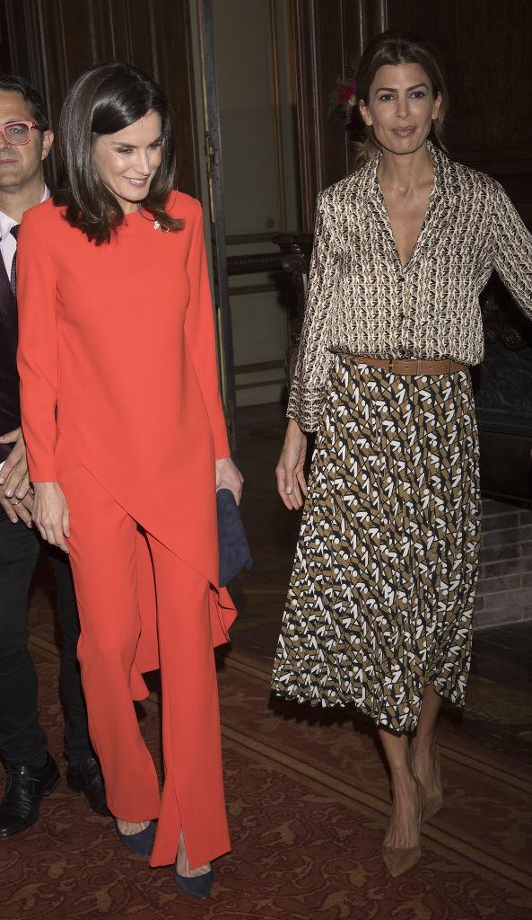Шелковая «двойка» Zara на королевском приеме: самая стильная первая леди в мире (фото 3)