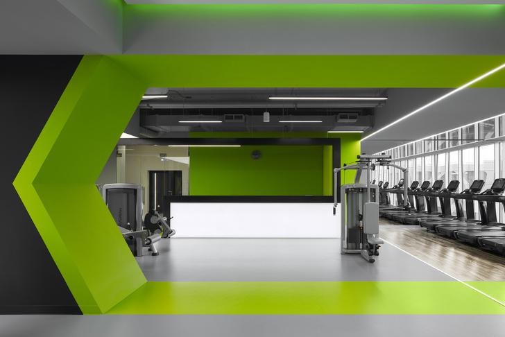 Разноцветный спортклуб в Екатеринбурге по проекту VOX Architects (фото 7)