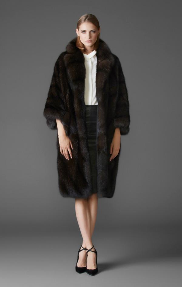 пальто из баргузинского соболя с объемным английским воротником