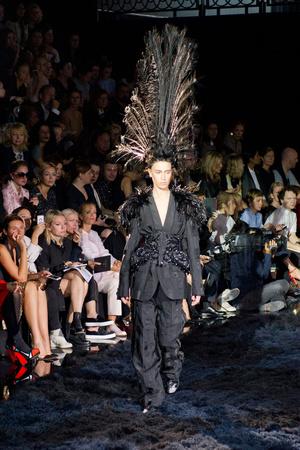 Показ Louis Vuitton коллекции сезона Весна-лето 2014 года Prêt-à-porter - www.elle.ru - Подиум - фото 572348