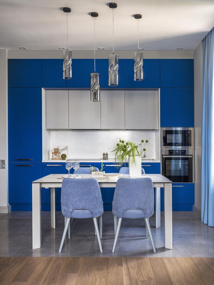 Этюд в синих тонах: двухкомнатная квартира в Москве (фото 4)