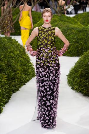 Показ Christian Dior коллекции сезона Весна-лето 2013 года Haute couture - www.elle.ru - Подиум - фото 477466