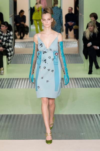Показ Prada на Неделе моды в Милане | галерея [1] фото [6]