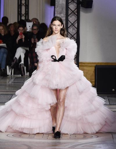 Лучшее, что случилось на Неделе высокой моды в Париже (галерея 10, фото 2)