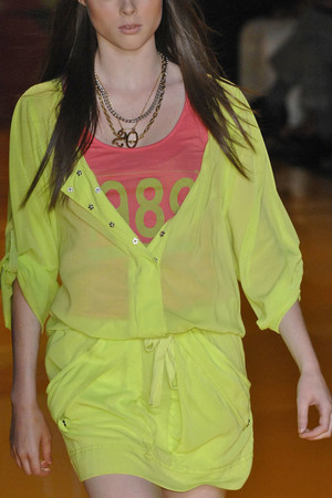 Показ DKNY коллекции сезона Весна-лето 2009 года Prêt-à-porter - www.elle.ru - Подиум - фото 72761