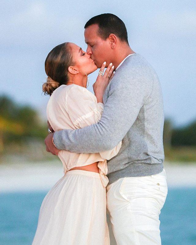 Дженнифер Лопес поделилась трогательными фото с помолвки (фото 5)