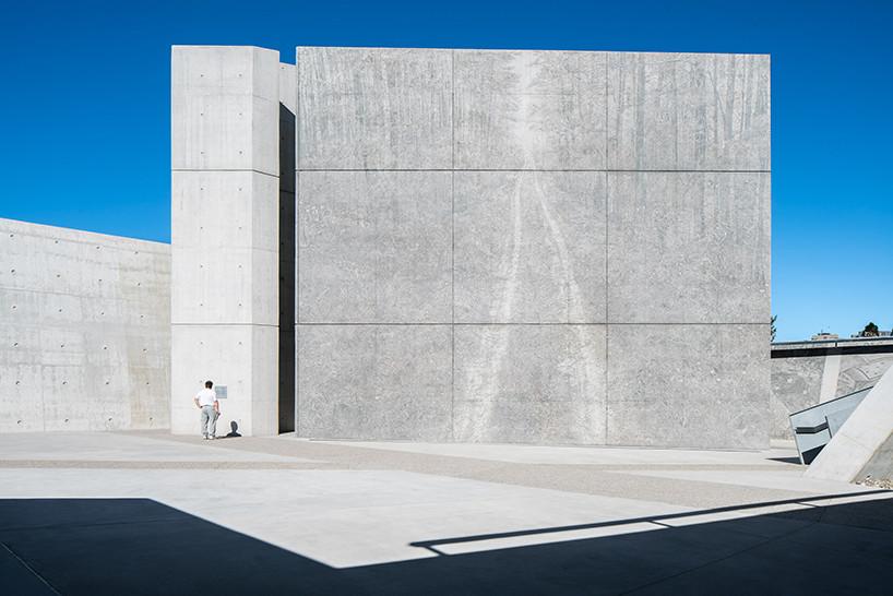 Монумент памяти холокоста по проекту Даниэля Либескинда | галерея [1] фото [4]
