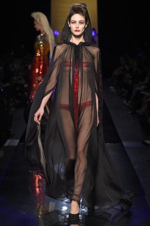Показ Jean Paul Gaultier коллекции сезона Осень-зима 2014-2015 года haute couture - www.elle.ru - Подиум - фото 585031