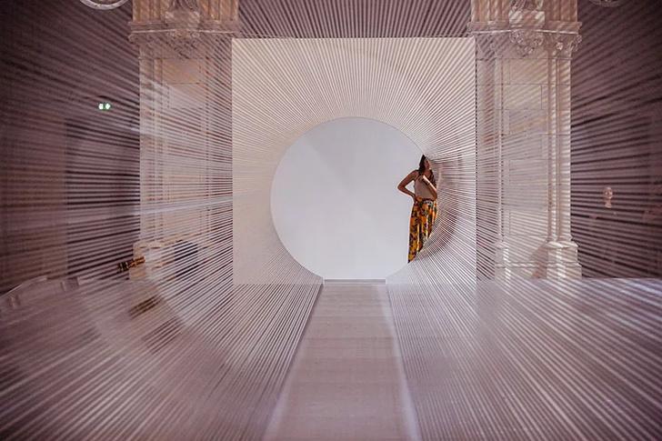 Туннель из магнитной пленки в церкви Бордо (фото 6)
