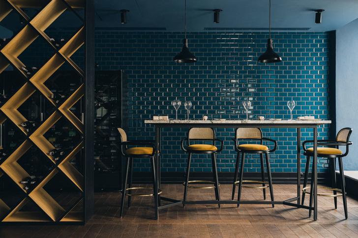 Варшавский ресторан Epoka в оттенках синего (фото 7)