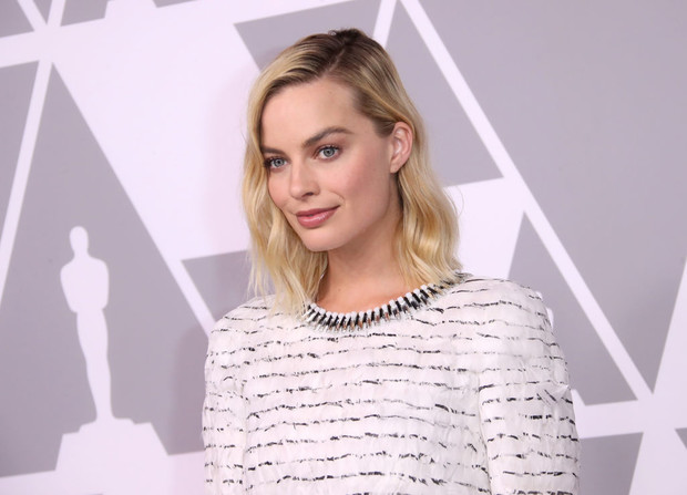 Марго Робби в Chanel на вечеринке номинантов на «Оскар» (фото 3)