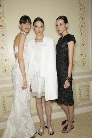 Показ Christophe Josse коллекции сезона Весна-лето 2013 года Haute couture - www.elle.ru - Подиум - фото 477819