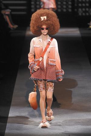 Показы мод Louis Vuitton Весна-лето 2010 | Подиум на ELLE - Подиум - фото 2909