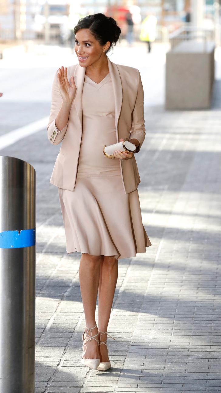 Прощай, королева: 30 лучших выходов Меган Маркл в качестве члена монаршей семьи (фото 61)