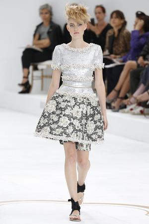 Показы мод Chanel Осень-зима 2014-2015 | Подиум на ELLE - Подиум - фото 4042