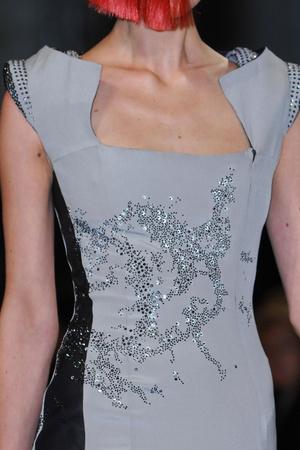 Показ Julien Fournie коллекции сезона Весна-лето 2013 года haute couture - www.elle.ru - Подиум - фото 480202