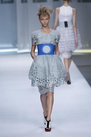 Показы мод Fendi Весна-лето 2009 | Подиум на ELLE - Подиум - фото 3355