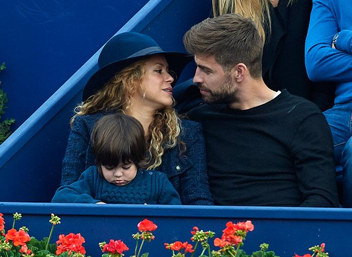 Шакира и Жерар Пике с сыном Миланом