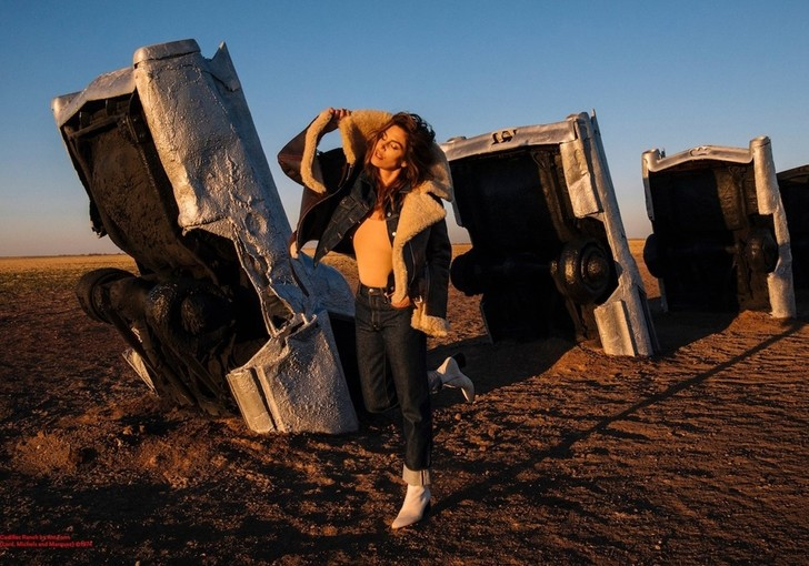 Синди Кроуфорд снялась в рекламной кампании Acne (фото 4)