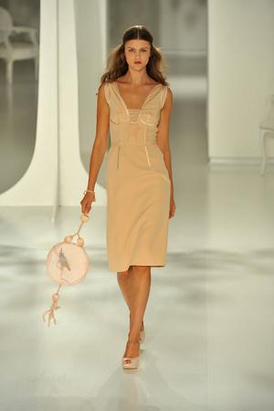 Показы мод Jasper Conran Весна-лето 2009 | Подиум на ELLE - Подиум - фото 3399