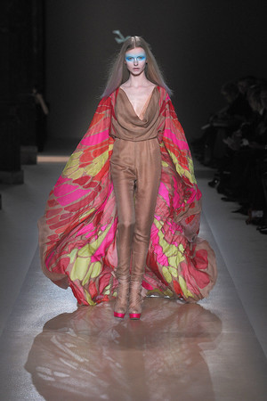 Показ Valentino коллекции сезона Весна-лето 2010 года Haute couture - www.elle.ru - Подиум - фото 139295