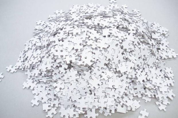 Пазл недели, или «Настоящий ад» на столе: головоломка из двух тысяч белых кусочков (фото 3)