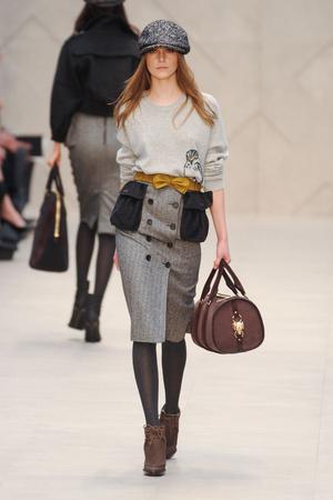 Показы мод Burberry Prorsum Осень-зима 2012-2013 | Подиум на ELLE - Подиум - фото 1558