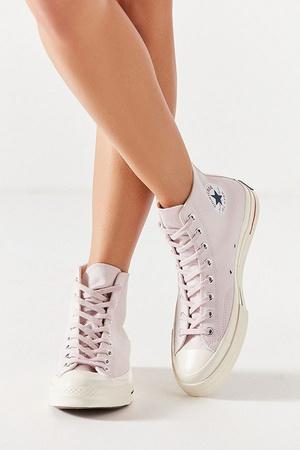 Millennial pink: кроссовки какого цвета будут актуальны этой весной (фото 5.1)