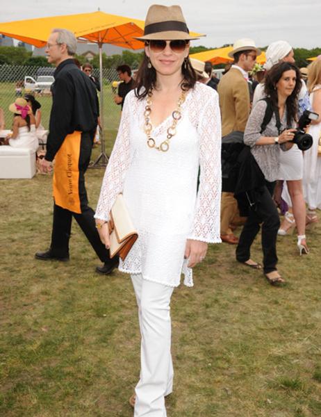 Julianna Margulies-white-pants