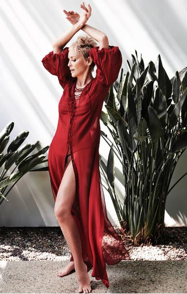 59-летняя Шэрон Стоун обнажилась для модной съемки | галерея [1] фото [5]