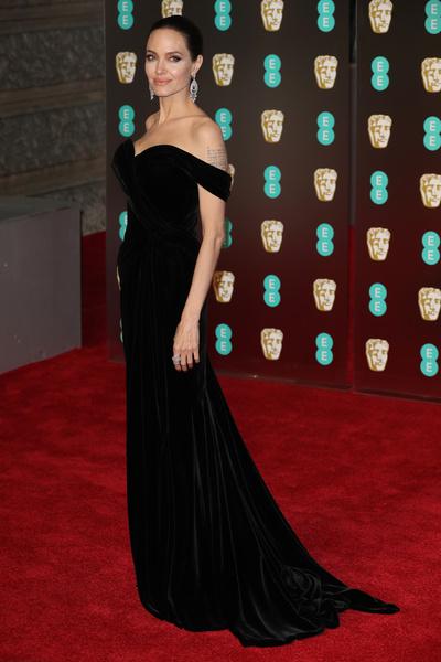 Black only: звезды пришли на BAFTA в черном (галерея 1, фото 0)