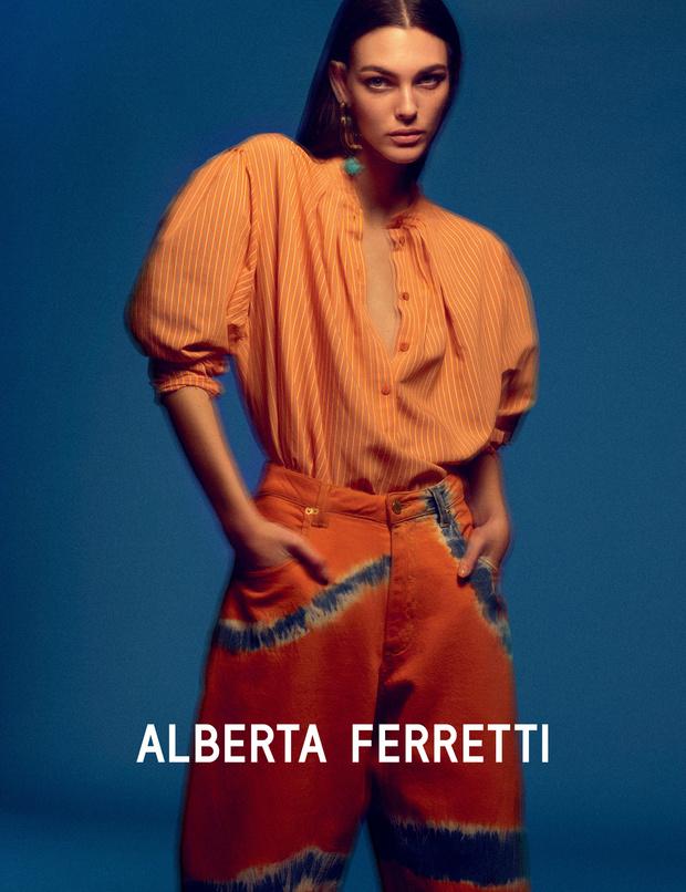 Главная супермодель 2019 года в рекламной кампании Alberta Ferretti (фото 7)