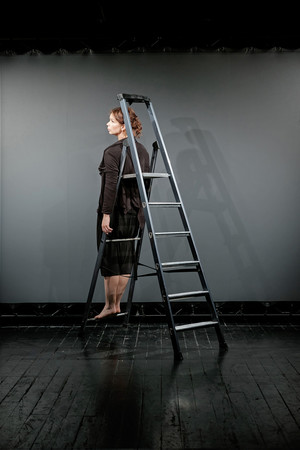 Моноспектакль Алисы Гребенщиковой в театре «Практика» (фото 3.1)
