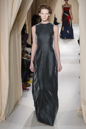 Показ Valentino коллекции сезона Весна-лето 2015 года haute couture - www.elle.ru - Подиум - фото 593300