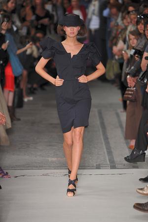 Показ Lefranc Ferrant коллекции сезона Осень-зима 2009-2010 года haute couture - www.elle.ru - Подиум - фото 88057