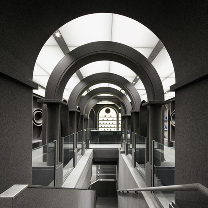 Выставка в честь 25-летия Viktor & Rolf откроется в Роттердаме (фото 6)