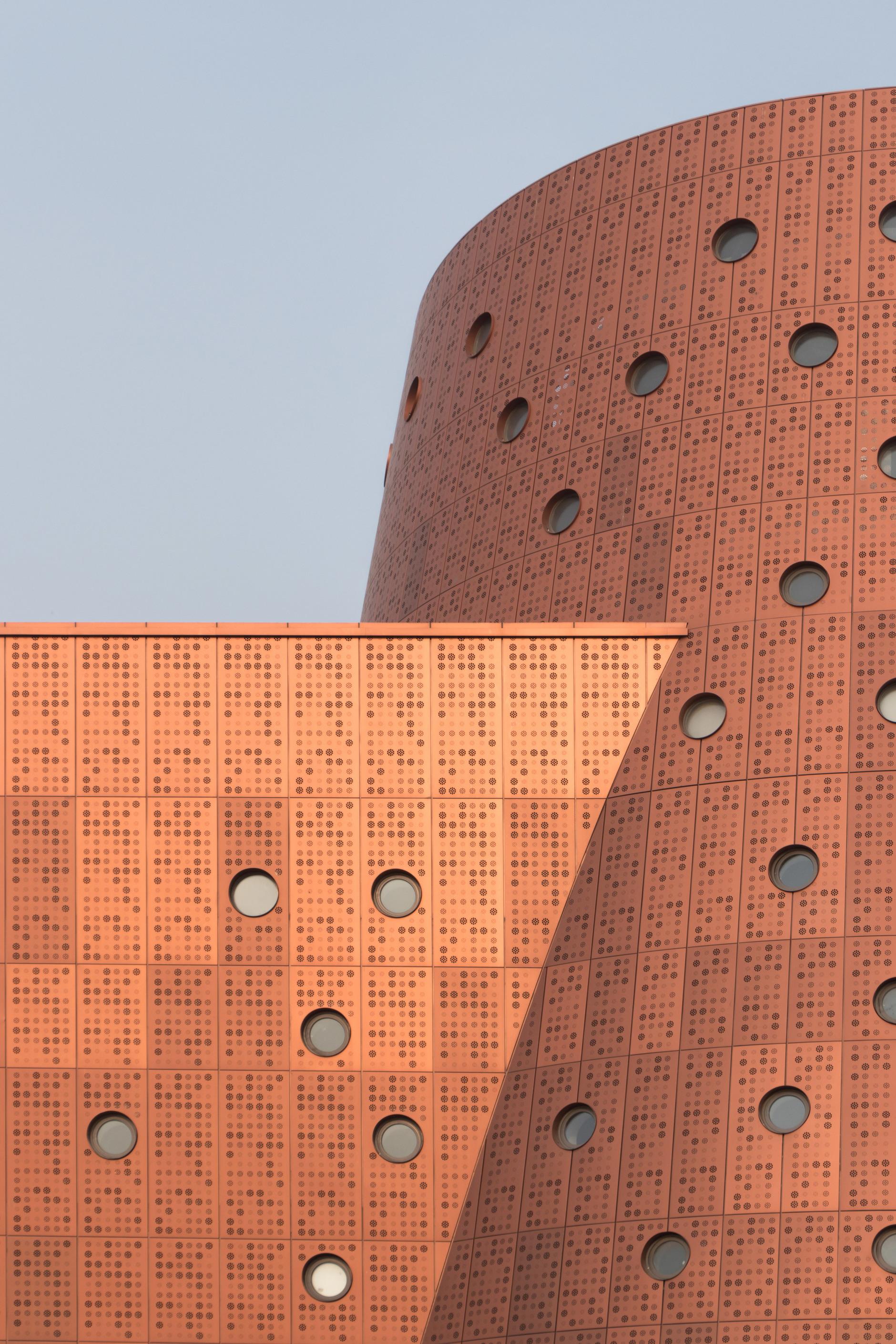 И медные трубы: новый музей по проекту Бернара Чуми в Китае (галерея 6, фото 1)