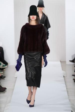 Показы мод Oscar de la Renta Осень-зима 2013-2014 | Подиум на ELLE - Подиум - фото 828